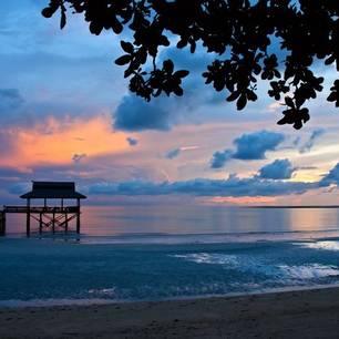 Sabah-PulauTiga-woodenjettyatsunset(8)