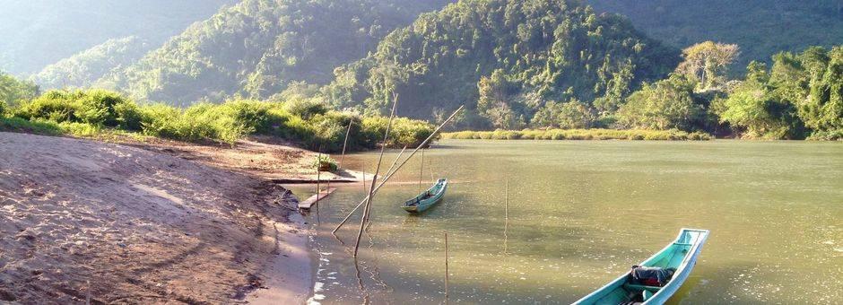 Laos-NongKhiow-bootje1_1_405146