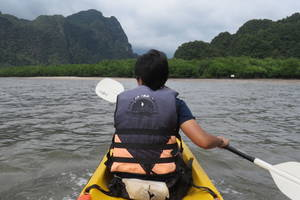 Kajakken bij Phangnha Bay