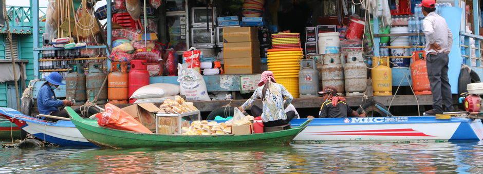 Vietnam-Battambang-winkeltjeaanwater(13)