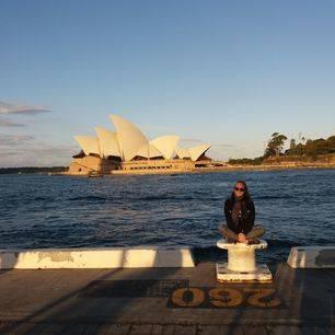 Australie-Sydney-opera-house-medewerkster-Melany