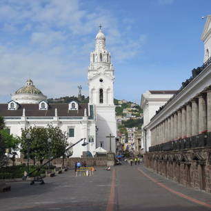 Wandel door de culturele, historische straten van Quito