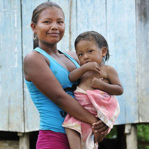 Colombia-Amazone-moeder-en-kind
