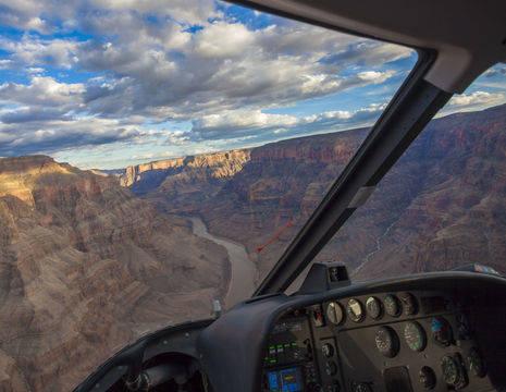 De Grand Canyon vanuit een helikopter gezien