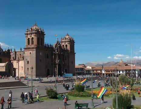 De-gezellige-straten-van-Cuzco-kunnen-niet-ontbreken(12)