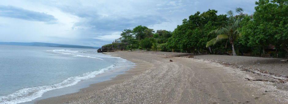 Sumbawa-Strand-Zee_1_409809