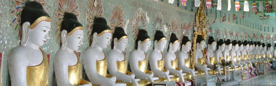 Boedhabeelden Sagaing in Myanmar