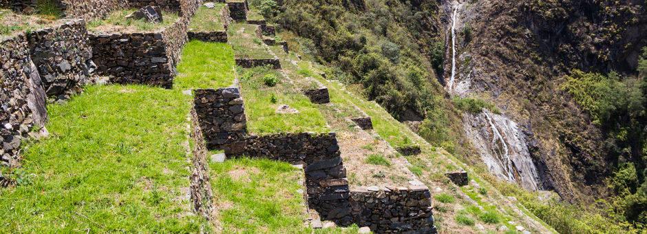 Trappen-en-waterval-op-de-Machu-Picchu(11)