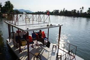 Cruise tijdens zonsondergang