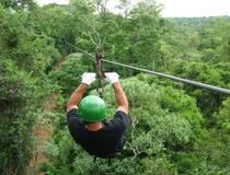 Trekking, abseilen en ziplinen