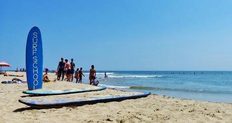 Surfschool-sign-Playa-Mancora-1b9e559a