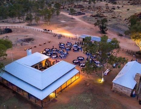 Australie-Alice-Springs-Telegraph-Station-diner_1_565385