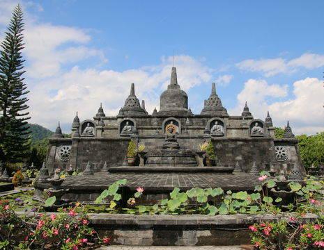 Bali-Lovina-Banjar_1_408087