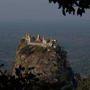Myanmar-Mount-Popa(8)