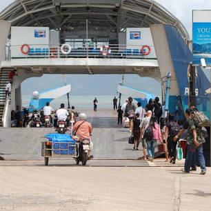 Thailand-Kochang-ferryboot(8)