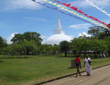 Sri-Lanka-Anuradhapura.tempel4_1