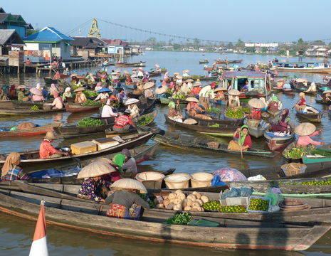 Kalimantan-Banjarmasin-markt op het water8_1