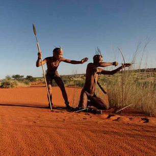 Kalahari Bushmen hunting(10)