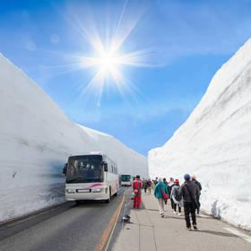 De sneeuwmuur in Japan