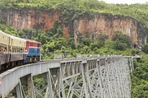 Myanmar-Pyin-Oo-Lwin-trein-2