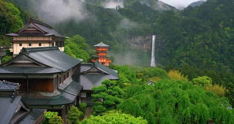 Uitzicht over de Nachi Taisha op het schiereiland Kii - Japan