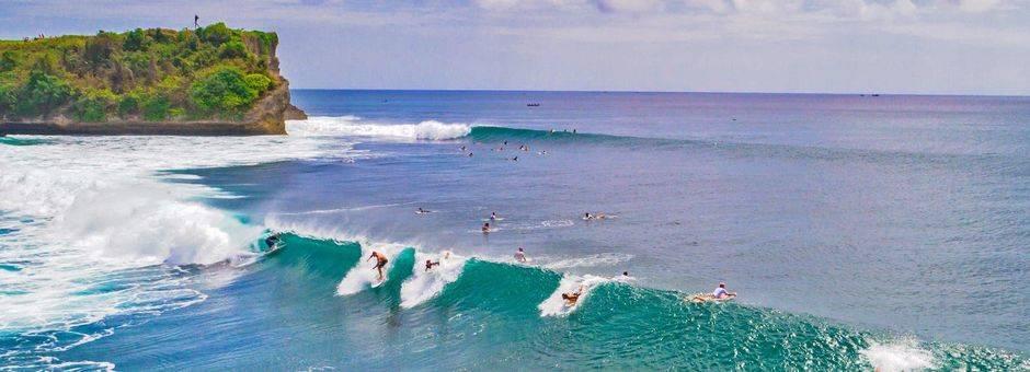 bali-surfingjpg