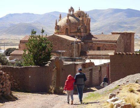 Puno-Cuzco-Ruines_1_416689