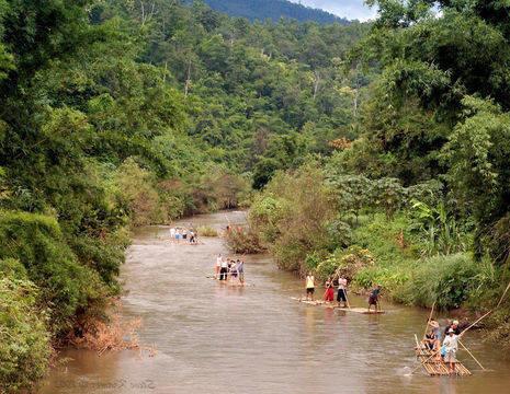 Thailand-Chiangmai-bamboo-rafts