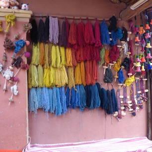 Verschillende-kleuren-voor-het-weven-van-kleding(10)