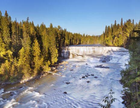 Canada-Wells-Gray-Dawson-Falls-1