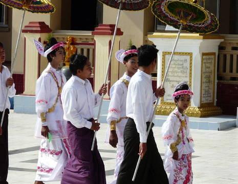 Myanmar-Mandalay-ceremonie(8)