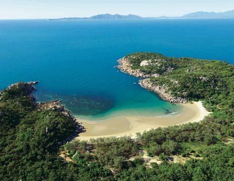 Australie-Magnetic-Island-blauwe-zee