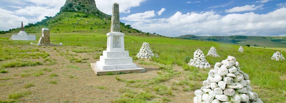 Een gedenkteken van de vele gevechten die hier hebben plaatsgevonden, Zululand, Zuid-Afrika