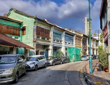 Maleisie-Penang-Kleurrijke-Huizen