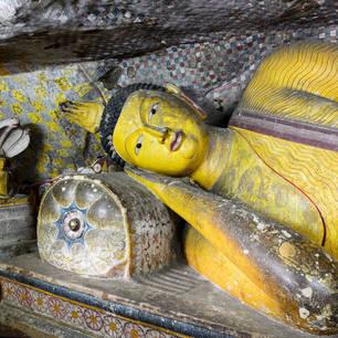 Sri-Lanka-Dambulla-tempel5 123-39087397_l(8)