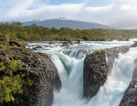 Chili-Puerto-Varas-Petrohue-Falls1