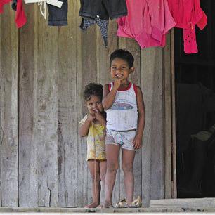 Colombia-Amazone-jongetjes