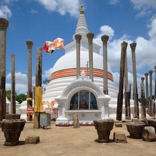 Sri-Lanka-Anuradhapura-tempel-6