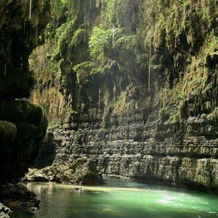 Java-Pangandaran-Green-Canyon