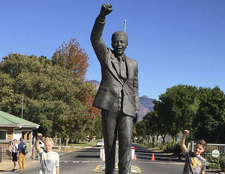 Nelson-Mandela-Standbeeld_1_348869