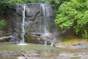 Tangkahan: Trekking, caving en tubing