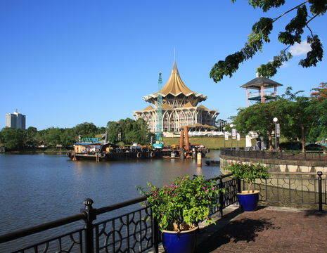 Maleisie-Sarawak-Kuching-parlementsgebouw_3_249177