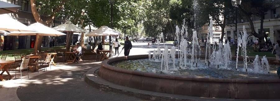 Een gezellig plein in de wijk San Isidro