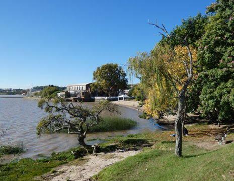 Uruguay-Colonia-water_1_409529
