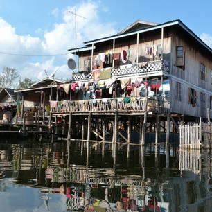 Myanmar-Inle Lake-huizen(8)