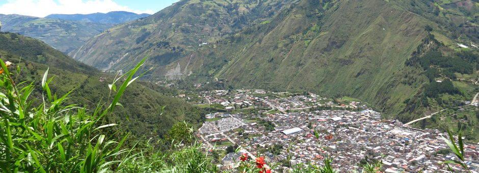 Het gezellige plaatsje Baños de Agua Santa