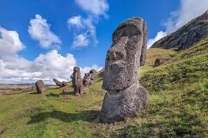 Chili-Paaseiland-Moai-panorama