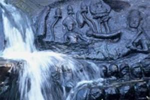 Siem Reap, Dagtour Kbal Spean en Roluos tempels