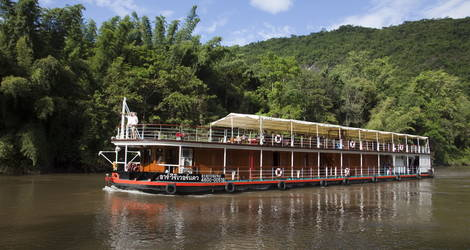 Cruise over de River Kwai in Thaiand