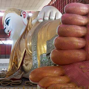 Myanmar-Yangon-liggende Boeddha Chaukhtatkyi1(8)